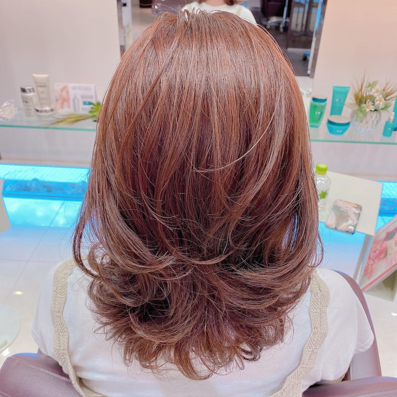 *・. hair color・・アルーリア新色。アンバーピンクコテで無造作にアレンジ🕊・#oggiavanti #岐阜市美容室 #ヘアビューロン #ヘアビューロン4dplus #ヘアビューロンカール #アルーリアカラー #新色 #アンバーピンク #ゆるふわ巻き #無造作ヘア #夏ピンク #赤みカラー