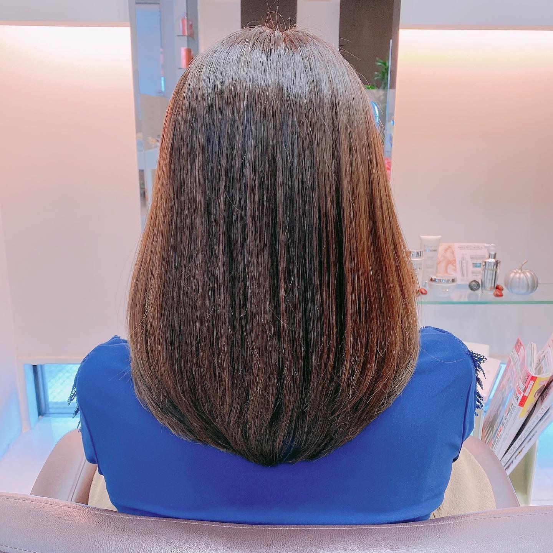 kウォーター メニュー--------------------------------◯髪にツヤと潤いがほしい方、時間がなくてサロントリートメントを諦めていた方にセレクトクレンジング+kウォーター¥1,500・◯髪にまとまりがほしい方、しっとりとした仕上がりを好む方にセレクトクレンジング+セレクトマスク+kウォーター¥3,000・◯複数の髪の悩みにアプローチしたい方セレクトクレンジング+フュジオドーズ+kウォーター¥3,500気になる方はお気軽にお声がけください夏に受けたダメージをしっかりケアして秋のウル艶髪を手に入れましょう#岐阜市美容室 #oggiavanti #oggi #kウォーター #kウォータートリートメント #フュジオドーズ #フュジオドーズトリートメント #ケラスターゼサロン #ケラスターゼトリートメント取り扱い店 #つや髪 #サラサラ髪 #ヘアケア #髪質改善 #髪質改善トリートメント